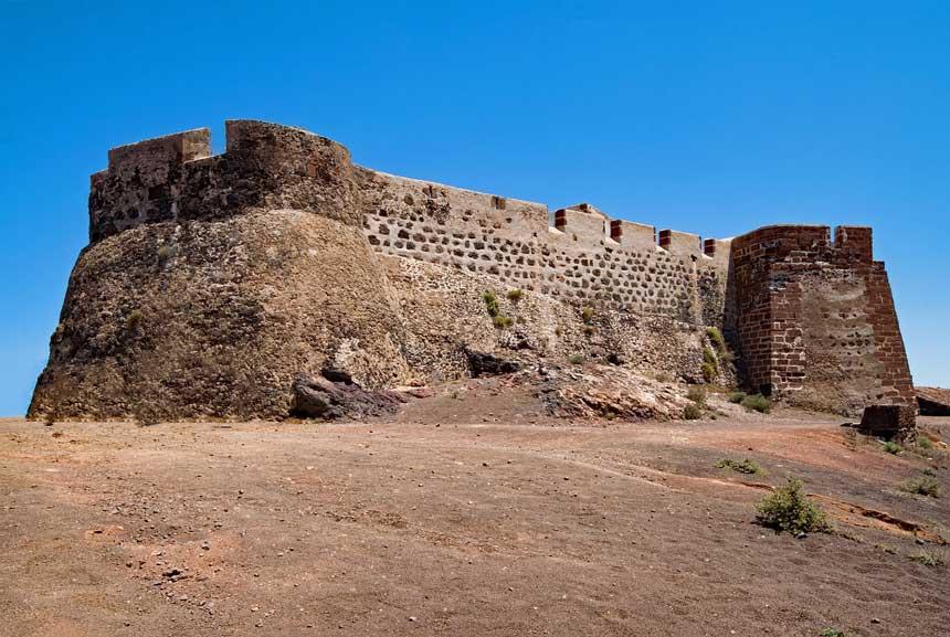 castillo de santa barbara lanzarote